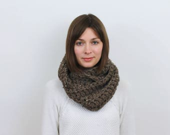 Chunky Knit Infinity Scarf Wool Circle Scarf | THE MARSEILLE