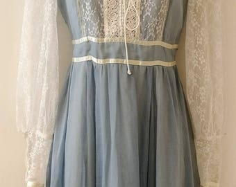 1970's Vintage Gunne Sax Prairie Girl Puff Sleeve Long Maxi Dress Solid Washed Out Pale Grey Blue Size 2 - 4 - perfect fall boho girl dress