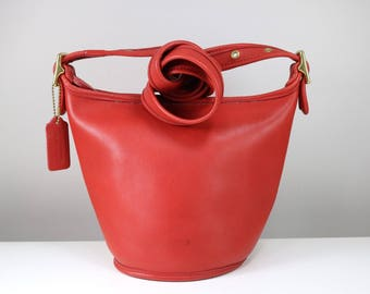 Vintage Early 1980s Red Leather COACH Bag/ Bucketbag/ Satchel/ crossbody/ Made in USA 9019