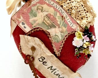 Primitive Heart Pocket Wall Decor, Vintage Be My Valentine Postcard, Victorian Valentine Decor