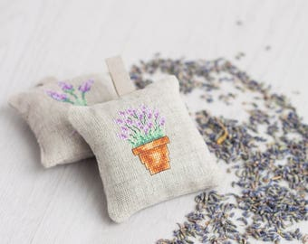 Lavender sachet, set of 2,  lavender bag, hanging fragrance, natural lavender, wedding favor, organic home decor