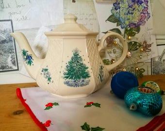 Sadler Christmas Teapot . Sadler Christmas Eve Tea Pot . Christmas Tree Sadler Teapot . Vintage China Holiday Teapot . Vintage English China