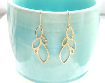 Drops Earrings, natural earrings, Flower Earring, Bridesmaid Gifts, Lotus Earring, Gold earrings, Elegant Earrings, Geometric earrings