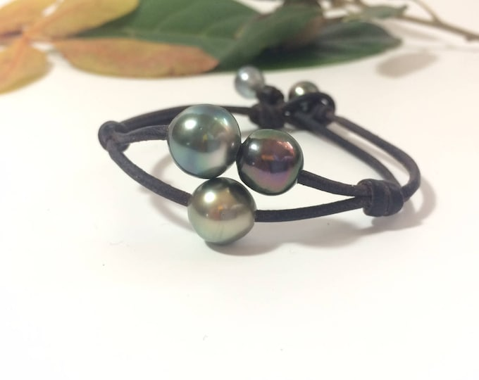 Tahitian Pearls on Australian leather. One of a kind pearls trio bracelet for women