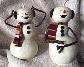 Snowlady Natual Gourd, White, With Buttons and Scarf