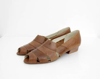 Vintage Shoes // Guarani  Brown Leather Peep Toe Slipons // NOS Cut Out Flats