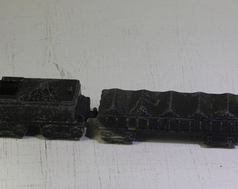 Vintage scarce MidgetToy William Crookes die cast  steam locomotive and tender with (2) frieght cars,