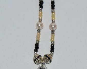 Floral Baroque Glass Pendant Bead Necklace