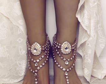 Vera Gold Barefoot Sandals Rhinestone Anklet Foot Jewelry for Bride Beach Wedding Sandals Barefoot Sandles Gold Anklet Boho Wedding Jewelry