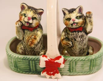 """Cat, kitty, kitten, tabby, salt and pepper shakers, cute cats sitting in a basket, midcentury, red bows, one paw in the air, 3"""" tall"""