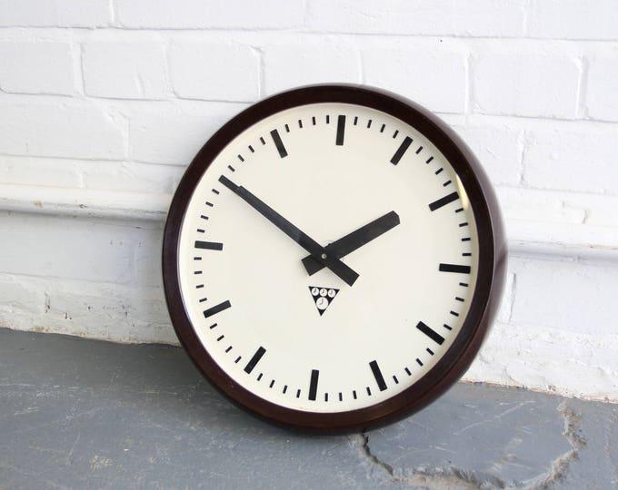 Modernist Bakelite Clock By Pragotron Circa 1940s