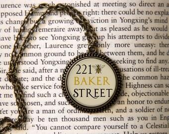 221 Bee Sherlock Holmes Pendant Necklace