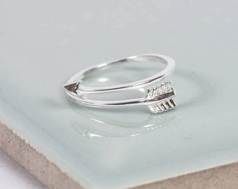 Sterling Silver Shooting Arrow Midi Ring