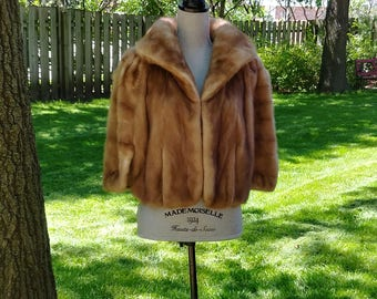 Vintage Lundberg Furs Stole/Cape with Pockets