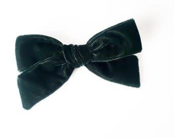 Velvet Hair Bow - Hunter Green Velvet Hair Bow, Girl Hair Bow, Holiday Hair Bow, Hair Bow, Hair Clip