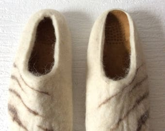 Felted slippers, Felted clogs made with Mallorcan wool and anatomic insoles