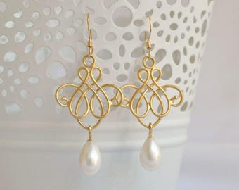 Gold plated chandelier earrings, gold bridesmaid earrings, pearl bridal jewelry, pearl dangle earrings