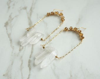 Quartz Earrings, Raw Quartz flowers earrings, Everyday fancy jewelry, Boho Accessories, Edgy, Gold Wedding Jewelry, Bridal Jewelry, Bride