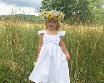 Seersucker white big bow dress, flower girls dress, toddler birthday white dress, wedding flower girl dresses, newborn dedication outfit,
