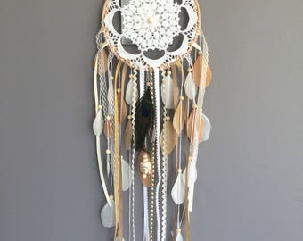 Wood Dreamcatcher with lace, Peacock feather and pearls in white, beige and Tan