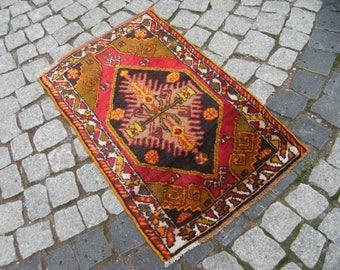 Small Rug, Vintage Central Anatolian,  Full  Pile  Sivas  Region  Small  Carpet  Rug, 22'' X 36,4'' Area  Rug
