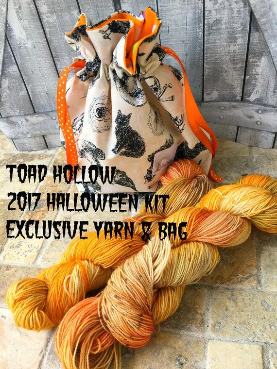 Sock Yarn-Halloween Bonfire yarn + bag,Hand Dyed Yarn,Indie Dyed Yarn,Fingering Weight,Gift for Knitter,Toad Hollow Yarn & bag,Halloween kit