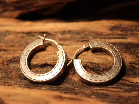 "Vintage Contemporary Hoop Sterling Silver Earrings Large Sterling Silver Earrings 1"" Hoop Earrings 4.3 Grams Large Vintage hoop Earrings"