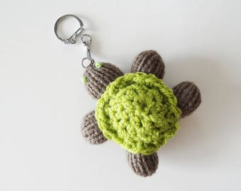 Keychain turtle made of wool - homemade
