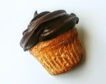 Cupcake Pin, Cute brooch, Baker Gift, Cupcake Brooch Food Jewelry Cupcake Foodie Accessories
