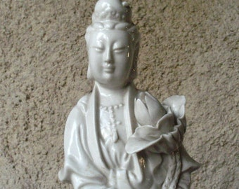Antique Chinese Blanc de Chine Dehua Porcelain Figure of Guanyin (Kwan Yin),