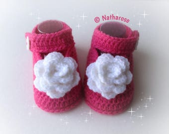 Chaussons bébé babies ballerines rose fuchsia fleur blanche