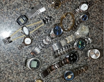 Vintage Retro Men and Womens Wrist Watch Bracelet Lot Used for parts and repair Timex Tag Heuer Casio Casio Bands
