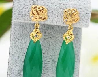 Crystal Dangle Earrings Green Crystal Earrings Emerald Earrings Emerald Drop Earrings Long Green Earrings Bridal Earrings Holiday Jewelry