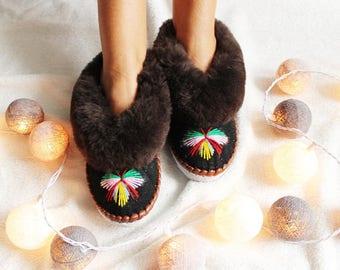 LEATHER slippers Sheepskin Women's slippers Lambskin Boots Warm Sheepskin moccasins Handmade House slippers Wool wolen fur new shoes