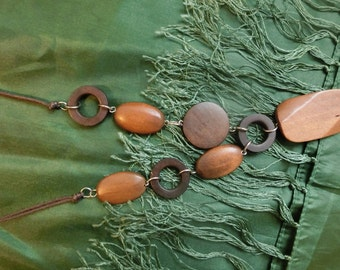 Beads from wooden elements, necklace from natural wood, wood beads necklace
