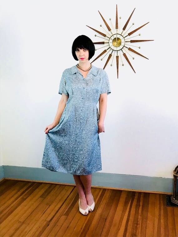 Vintage 40s Dress, 1940s Rayon Dress, Modern Classics Frock, Chevron Stripes, 40s shirt dress, Light Blue Gray, Pintuck Dress, Plus Size 14