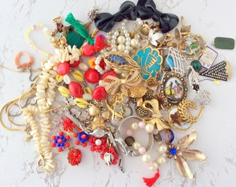 Vintage jewelry lot 62pcs, jewelry lots for repurpose, jewelry lot wearable, jewelry lot destash, costume jewelry lot of vintage jewelry