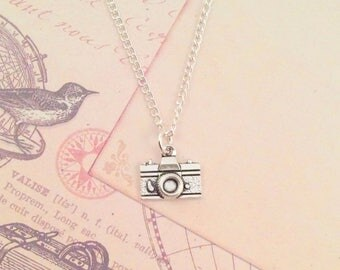 Camera Necklace, Photography necklace, photographer gift, photography jewellery jewelry, actor gift travel necklace camera jewelry jewellery