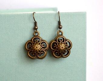 Flower Earrings, Gift Under 15 Dollar, Boho Earrings, Bohemian Earrings, Jewelry, Gift Idea, Vintage Earrings, Vintage Dangle Earrings, Boho