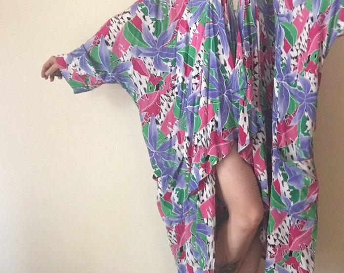 New Wave Kimono   batwing dolman sleeve OSFM plus size ONE SIZE vintage 80s art floral watercolor print maxi womens robe abstract pattern os