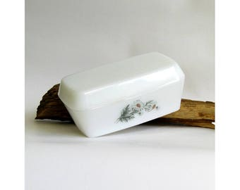 White milk glass butter dish - Arcopal French vintage opalware glassware - Marguerite Daisy floral design perfect collectable kitchen ware
