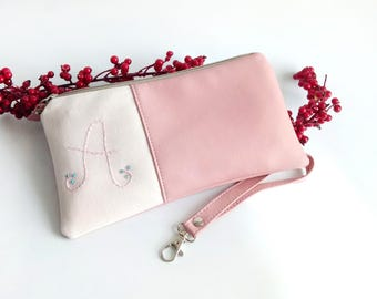 Pink Peronalized Bridesmaid Clutch Set of 5 Wedding clutch Purse Vegan Bag Wedding Bridesmaid Gift Set of 3