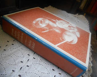 """Julia Child, """"From Julia Child's Kitchen"""" Cookbook 1975 First Edition Second Printing, Hardcover Published Alfred Knopf"""