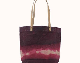 Medium Waxed Canvas Tote - American Beauty - leather straps
