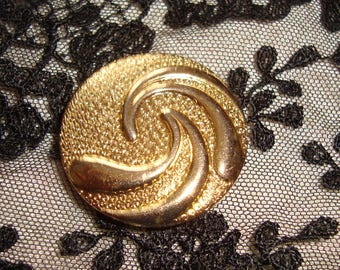 Large art deco button *.
