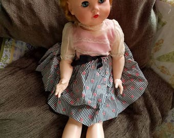 Vintage 1950's doll-Pristine condition-Cries-Clothing-Collector-Pretty