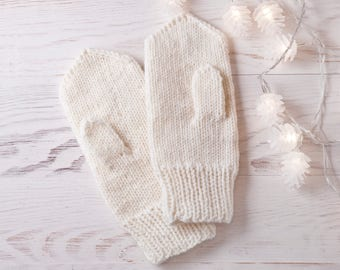 White Knit Mittens, Christmas Gifts for Women, Winter Gloves, Hand Knit Warm Mittens, Gift for Wife, Women's Mittens, Gift for Sister