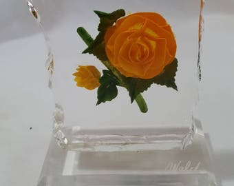 """SIGNED WALD Lucite Yellow Rose Paperweight OnLucite Base 1980's 5 1/2"""" HIGH"""