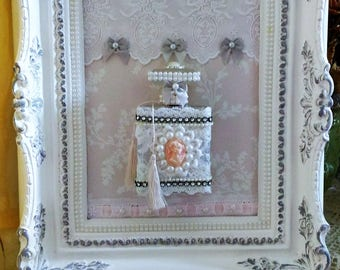 Table spirit boudoir grey and white Victorian shabby chic style