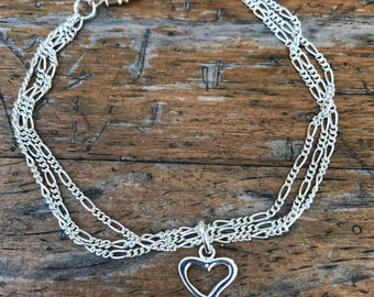Silver bracket with heart.20cm